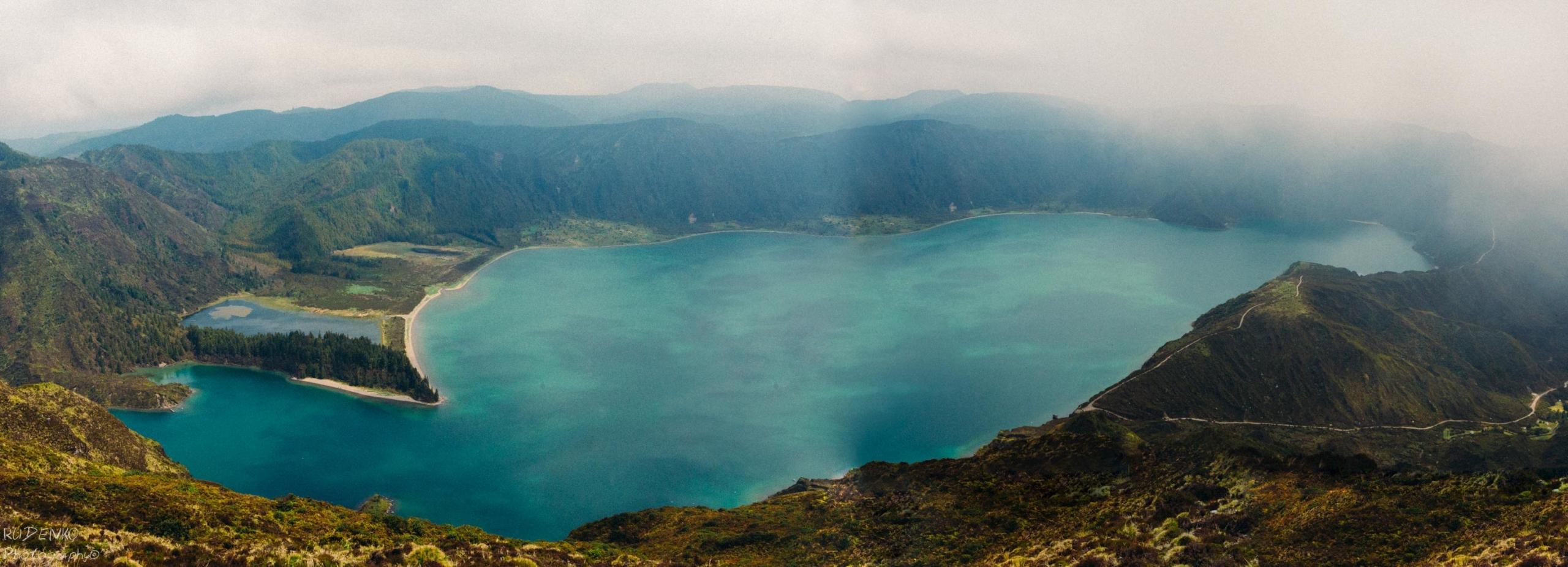 Lagoa do Fogo panorama, Sao Miguel, Azores, Portugal
