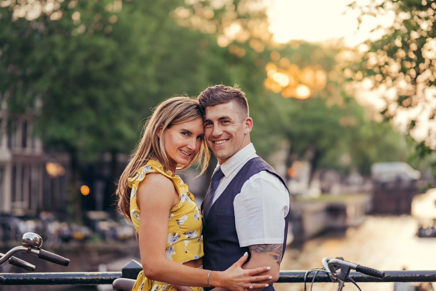 engagement couple shoot in amsterdam