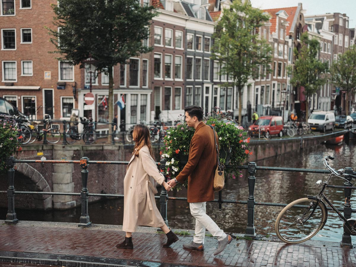 couple streetstyle shoot amsterdam