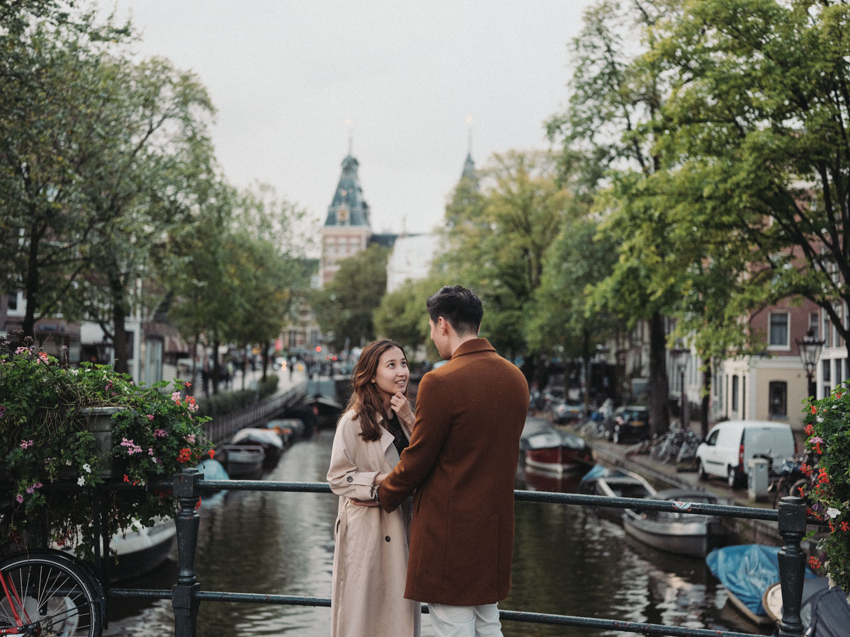 surprise proposal moment amsterdam