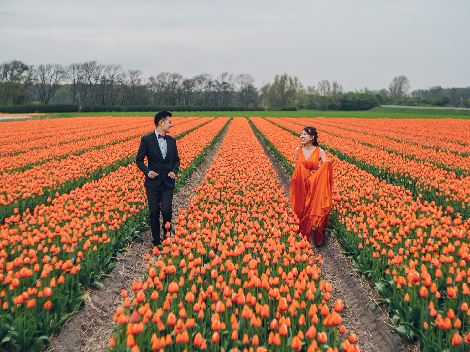 engagement tulip field photography