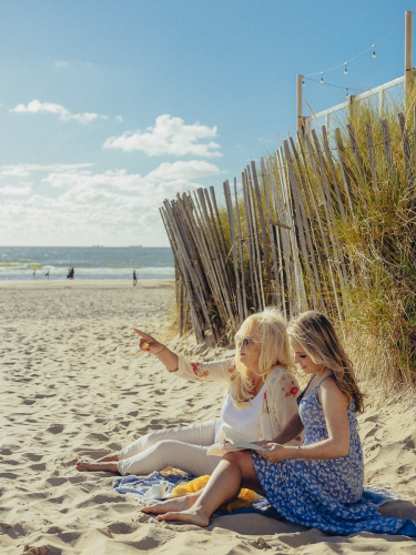 mother-daughter day amsterdam beach