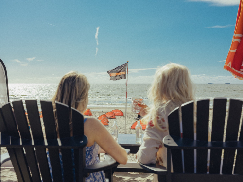 mother-daughter day zandvoort beach