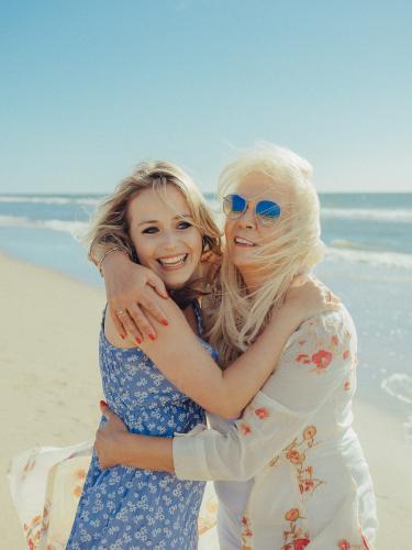 mother-daughter zandvoort photoshoot