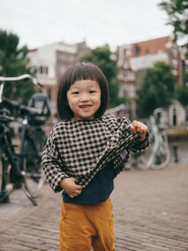 candid family photoshoot amsterdam