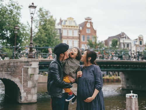 candid family photoshoot amsterdam
