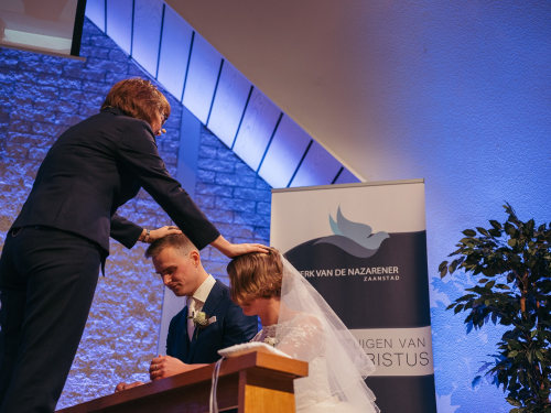 documentary wedding photography church