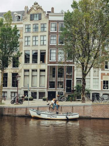 alternative family photoshoot amsterdam