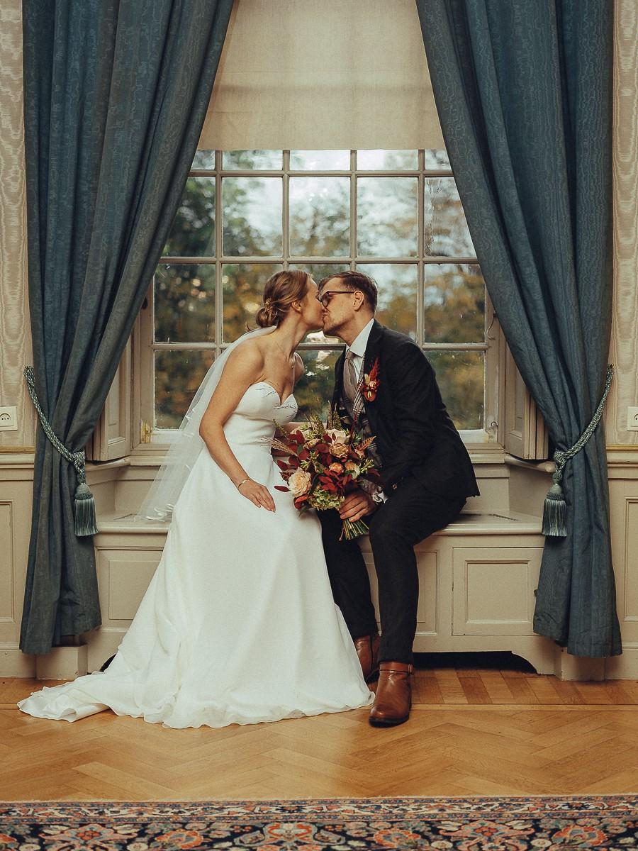 zuylen castle wedding couple photoshoot indoor