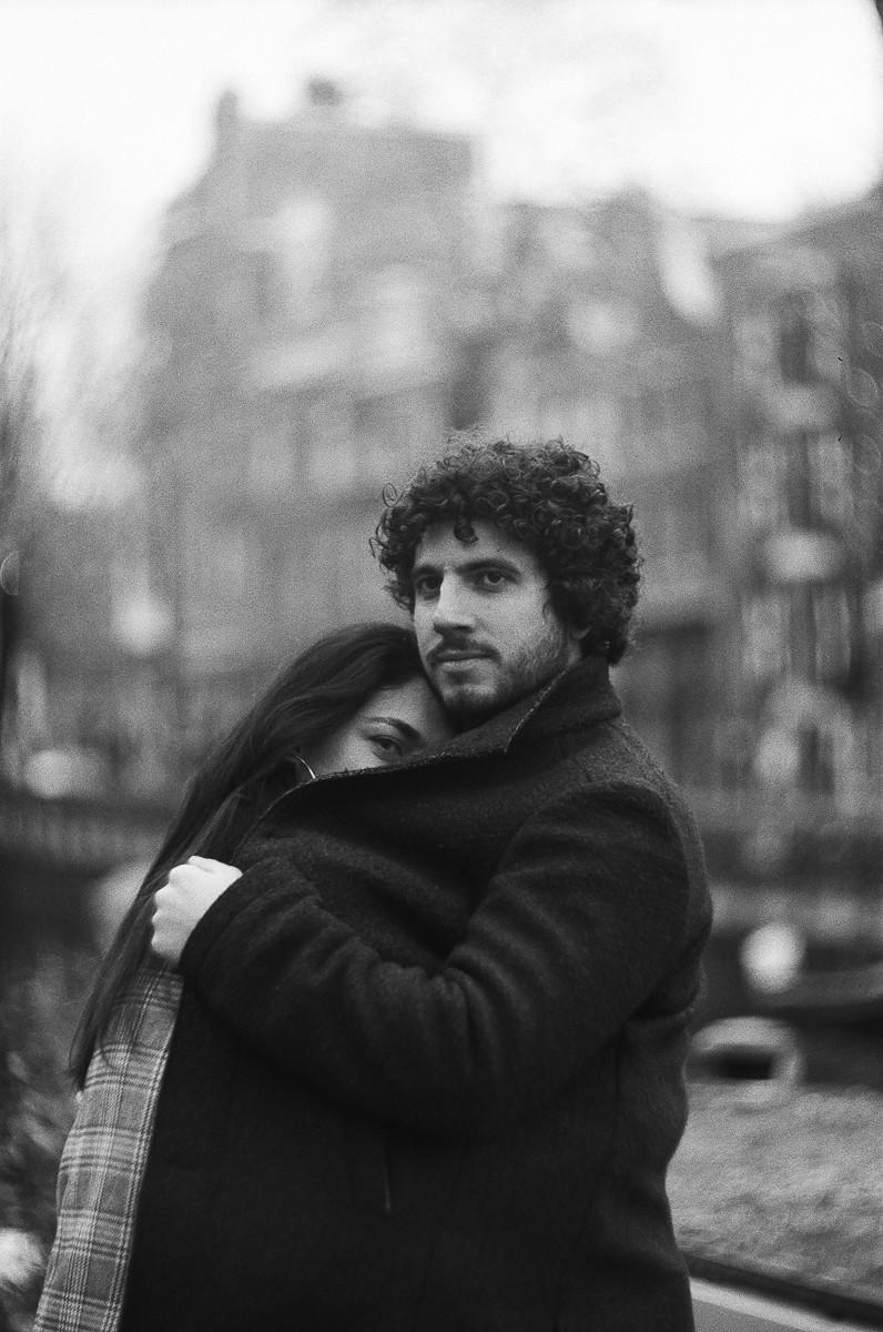 аналоговая фотосессия пары в амстердаме