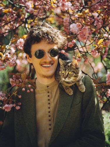 male portraiture with cat in amsterdam