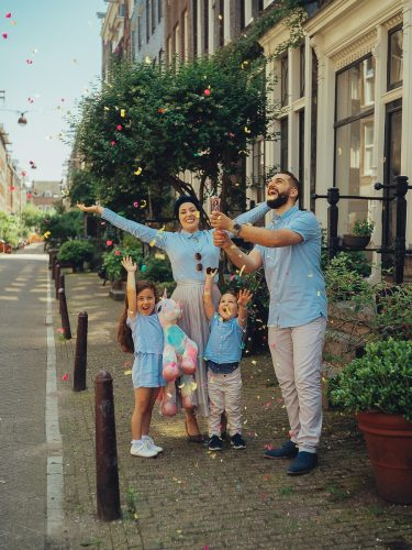 syrian family photoshoot in amsterdam